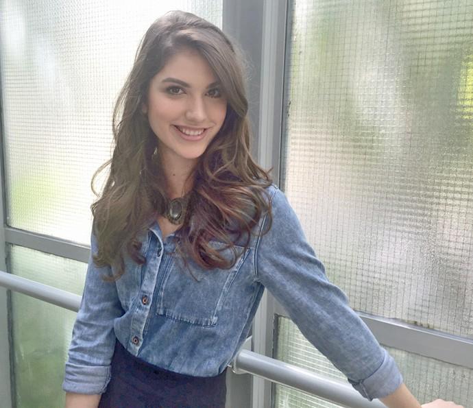 Giovanna posa nos bastidores do Encontro (Foto: Priscilla Massena/Gshow)