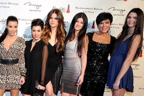 Kim, Kourtney e Khloe Kardashian e Kylie, Kris e Kendall Jenner (Foto: Getty Images)