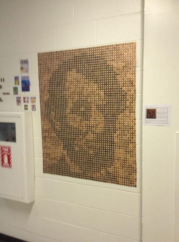 Estudantes criaram mosaico com a imagem de Abraham Lincoln usando moedas de um centavo de dólar (Foto: Reprodução/Imgur/JRals)