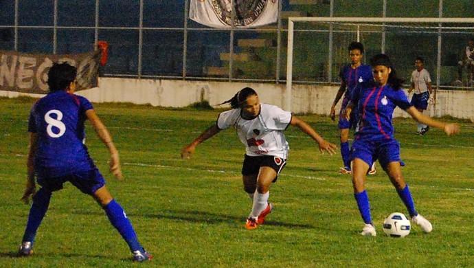 Botafogo-PB e São Francisco-BA pela Copa do Brasil de Futebol Feminino 2011 (Foto: Renata Vasconcellos)