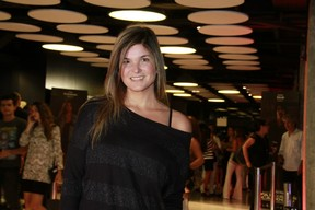 "Cristiana Oliveira na estreia de ""Faroeste Caboclo"" (Foto: Isac Luz / EGO)"