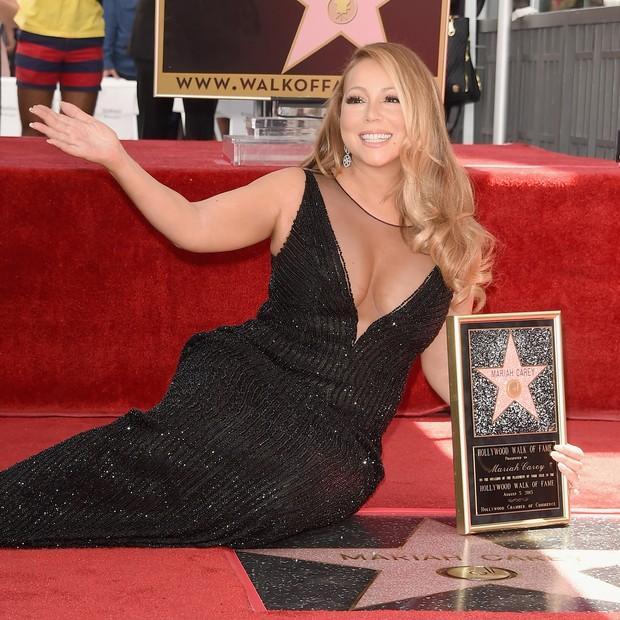 Mariah Carey recebe sua estrela na Calçada da Fama (Foto: Getty Images)
