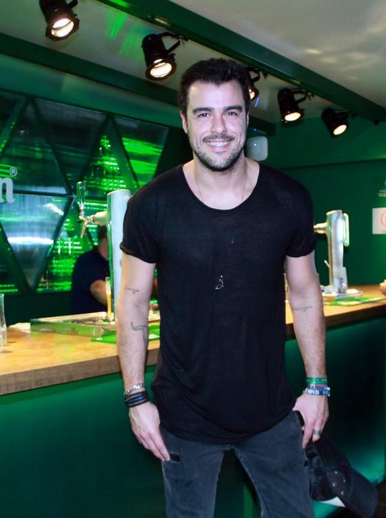 Joaquim Lopes gravou matérias na área VIP para a atração que comanda nas tardes da Globo (Foto: AG. News)