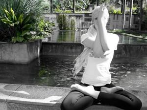 Para Heloísa, prática de yoga a ajudou a superar o câncer (Foto: Heloísa Orsolini/arquivo pessoal)