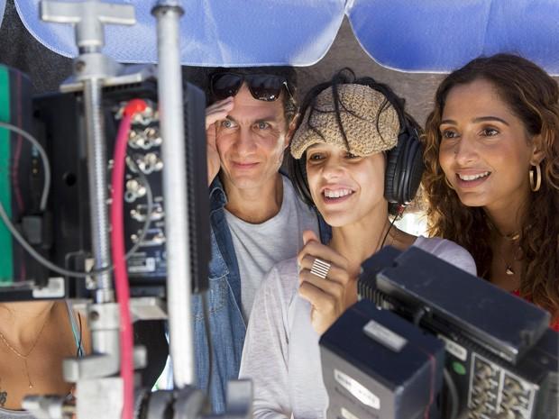 Gabriel Braga Nunes, Luisa Lima e Camila Pitanga assistem às cenas (Foto: Felipe Monteiro/Gshow)