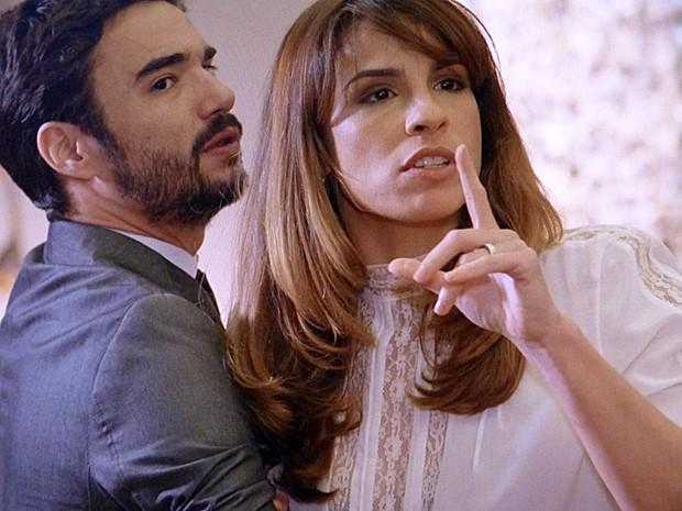 Danielle leva tapa na cara e fica revoltada (Foto: Tv Globo)