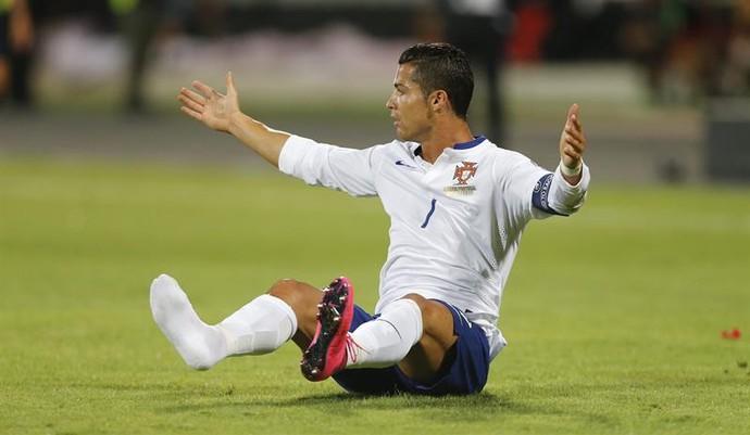 Cristiano Ronaldo Portugal Albânia (Foto: EFE/ARMANDO BABANI)