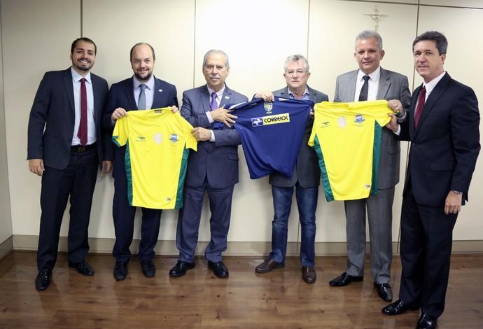 Assinatura contrato Correios CBFS (Foto: Herivelto Batista/Divulgação)