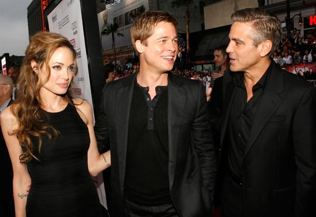 Angelina Jolie, Brad Pitt e George Clooney em 2007 (Foto: Kevin Winter/Getty Images)