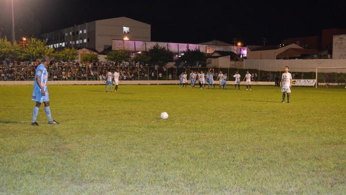 União Cacoalense goleira o Ji-Paraná em Cacoal (Foto: Magda Oliveira)