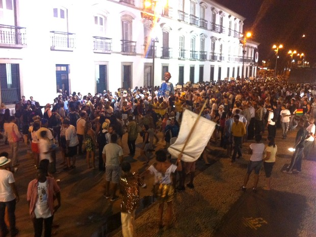 Banda da rua do Mercado nas ruas do Centro do Rio (Foto: Lívia Torres / G1)