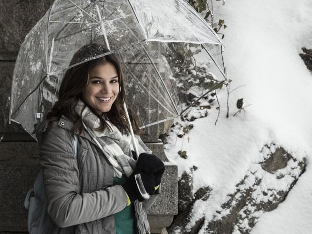 Bruna Marquezine posa na neve de Nova York (Foto: Raphael Dias/Gshow)