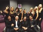 Kim Kardashian e irmãos vão a prêmio em homenagem a Caitlyn Jenner