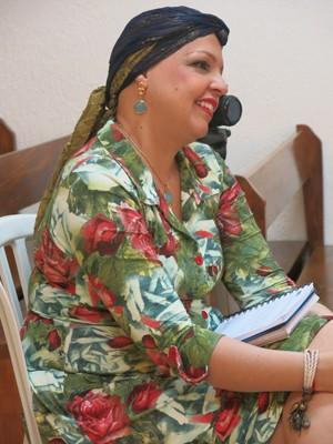 Valeria realiza ações de apoio as vítimas do câncer (Foto: Mariane Rossi/G1)