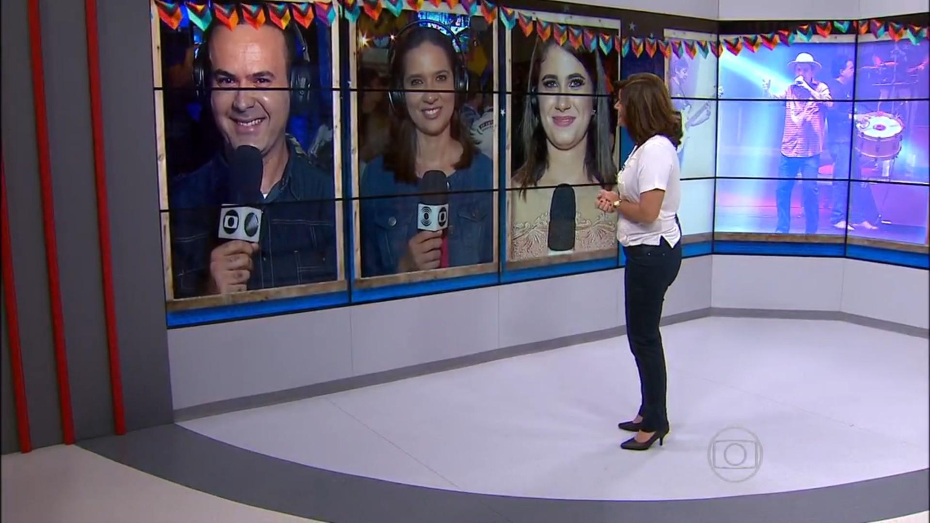Biaca Carvalho conversando ao vivo com repórteres direto das festas juninas (Foto: Reprodução/ Rede Globo)