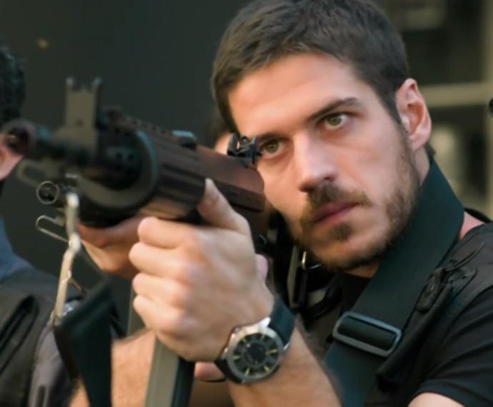 Marco Pigossi em 'A Regra do Jogo' (Foto: TV Globo)
