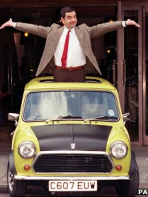 Mr Bean e seu carrinho (Foto: PA)