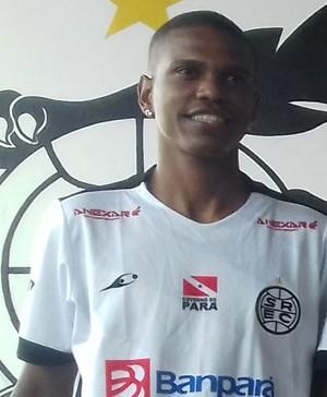 Everson Bilau espera melhorar seus números em 2017 com a camisa do São Raimundo (Foto: Michael Douglas/GloboEsporte.com)