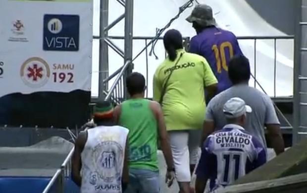 Preparação Descida das Escadas de Santos (Foto: Reprodução / TV Tribuna)