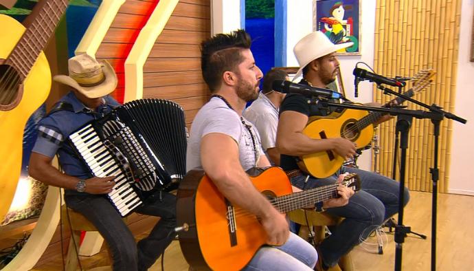 João Lucas e Walter se apresentaram no Meu MS (Foto: TV Morena)