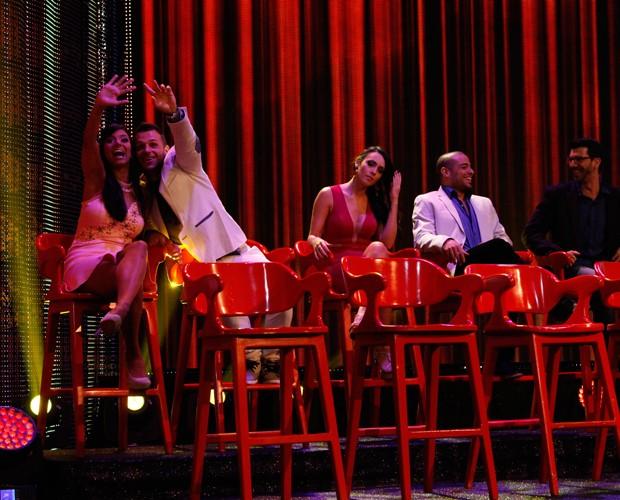 Professores dão tchauzinho para plateia (Foto: Arthur Seixas/Gshow)