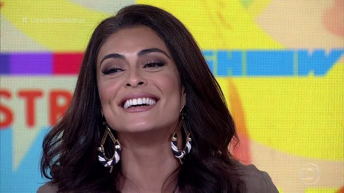 Juliana Paes conta curiosidades no 'Vídeo Show' (Foto: Vídeo Show/Tv Globo)