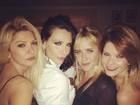 Camila Rodrigues comemora aniversário com amigos famosos