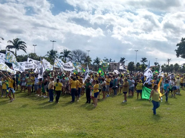 Ato contra o governo em Jaguariúna (Foto: Pedro Silveira Machado)