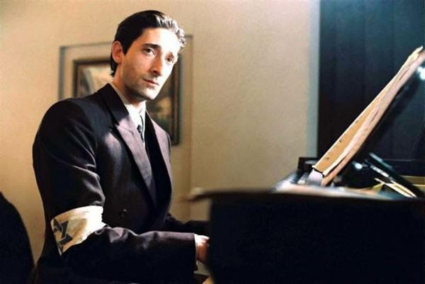 Adrien Brody em 'O Pianista' (2002) (Foto: Divulgação)