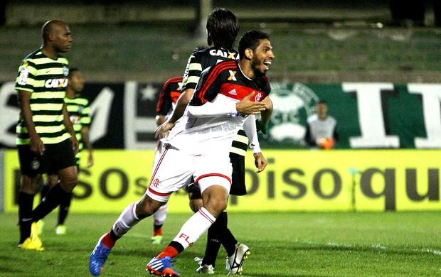 Wallace comemoração Flamengo contra Coritiba (Foto: Joka Madruga / Agência Estado)