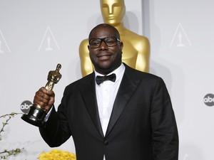 Steve McQueen ganha o Oscar de Melhor Filme por '12 anos de escravidão'. (Foto: REUTERS/Mario Anzuoni)