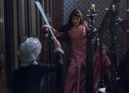 Jacira e Miss Liu se enfrentam em duelo