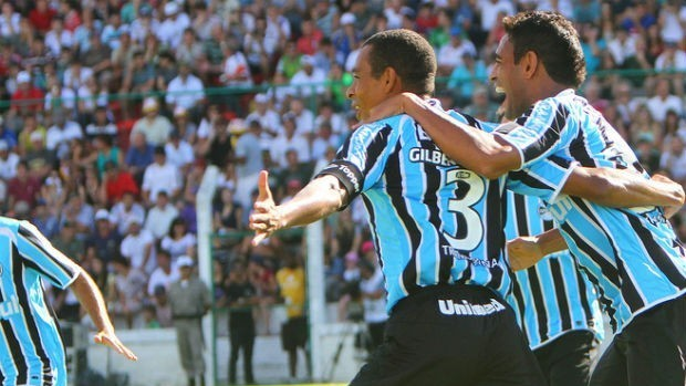 gilberto silva werley gr&#234;mio (Foto: Lucas Uebel/Gr&#234;mio FBPA)