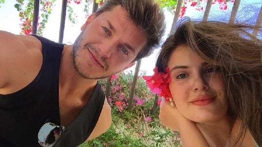 Camila Queiroz planeja casamento com Klebber Toledo: 'Acho que sai no ano que vem'