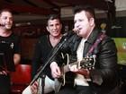 Sertanejo Marrone canta com Eri Johnson e Conrado no Rio