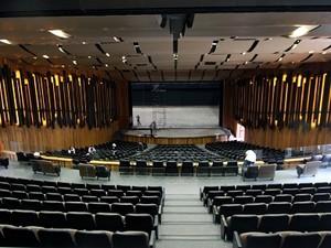 Teatro recebe os últimos ajustes antes da reinaugiração (Foto: James Tavares / SECOM)