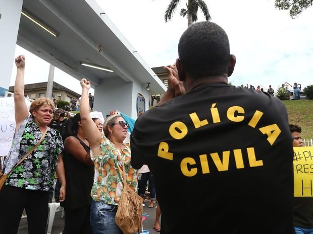 Polícias Civis decidem fazer paralisação por tempo indeterminado pela morte do policial Mário Marcelo de Albuquerque, de 44 anos, em Vitória (ES) (Foto: Wilton Junior/Estadão Conteúdo)