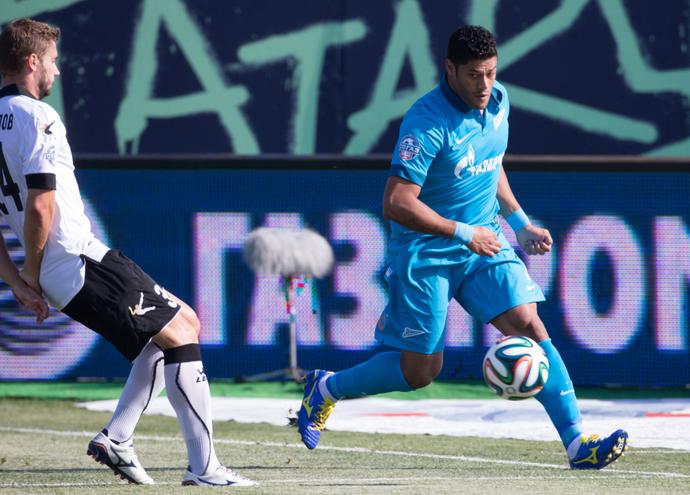 Hulk em ação pelo Zenit contra o Torpedo Moscou (Foto: Site oficial do Zenit)