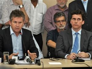 O prefeito Mauro Mendes (PSB) e o procurador-geral do município, Rogério Gallo. (Foto: Tchelo Figueiredo / Prefeitura de Cuiabá)