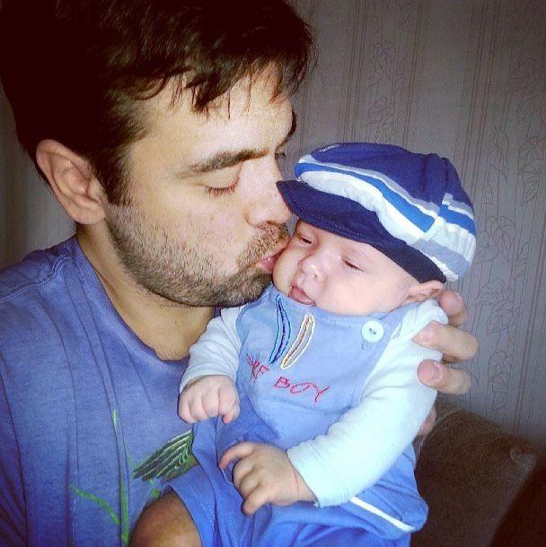 Priscila Pires posta foto do marido com o filho (Foto: Instagram/Reprodução)