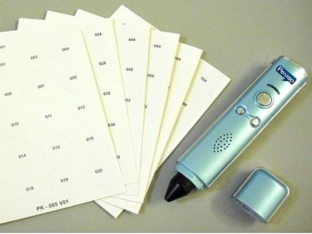Caneta segue o modelo das canetas falantes comuns, mas um software vai identificar valor do dinheiro, além de reproduzir músicas, audiolivros e outras mídias (Foto: Divulgação / Pentop)