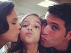 Mel Maia ganha beijo duplo de Bianca Bin e Bruno Gagliasso