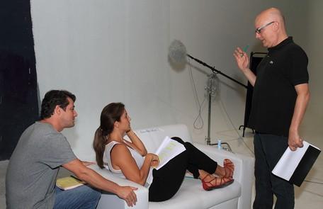Bruno Barreto orienta Marcelo Serrado e Ivete Sangalo nas leituras do filme 'Crô' Francisco Patrício / Divulgação