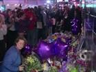 Prince é homenageado por fãs em clube onde 'Purple Rain' foi filmado