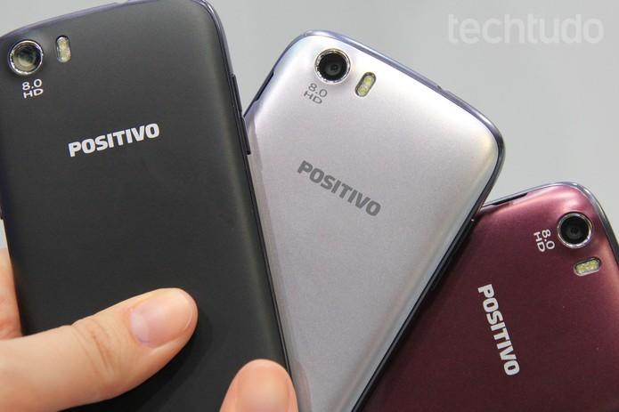 Positivo S480 tem várias opções de cores (Foto: Isadora Díaz/TechTudo) (Foto: Positivo S480 tem várias opções de cores (Foto: Isadora Díaz/TechTudo))