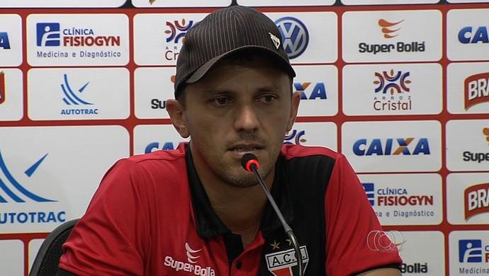 João Paulo Sanches, técnico interino do Atlético-GO (Foto: Reprodução/TV Anhanguera)