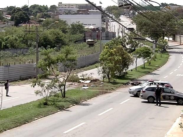 Resultado de imagem para Motociclista morre ao ser atingido por caminhão desgovernado em Goiânia