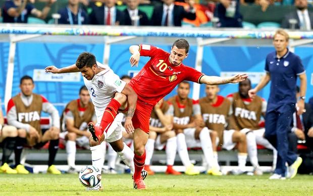 Eden Hazard jogo Estados Unidos x Bélgica Arena Fonte Nova (Foto: EFE)