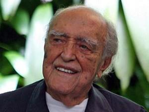 O arquiteto Oscar Niemeyer em seu aniversário de 100 anos, em 2007  (Foto: Marcia Foletto/ Ag. O Globo)