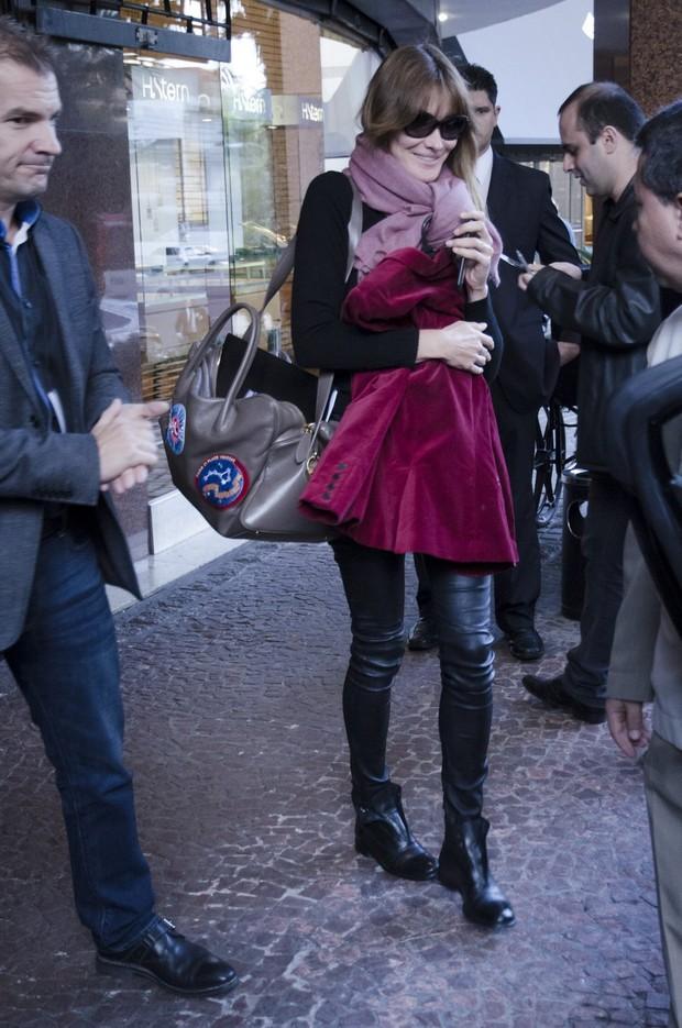 Carla Bruni em Porto Alegre (Foto: AgNews)